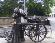 Molly Malone statue, Grafton St. Dublin treasure hunt
